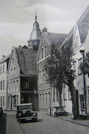 sanierung-haus-glueckstadt_01-alte-postkarte
